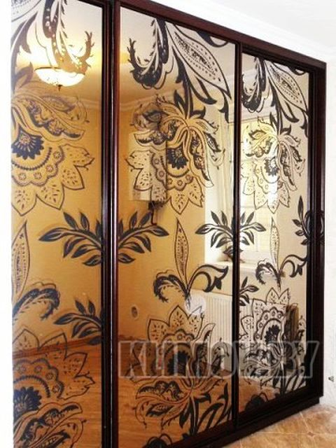 зеркальная пленка на входную дверь